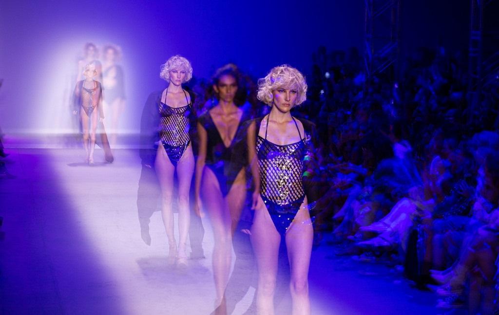 tendência moda praia 2020